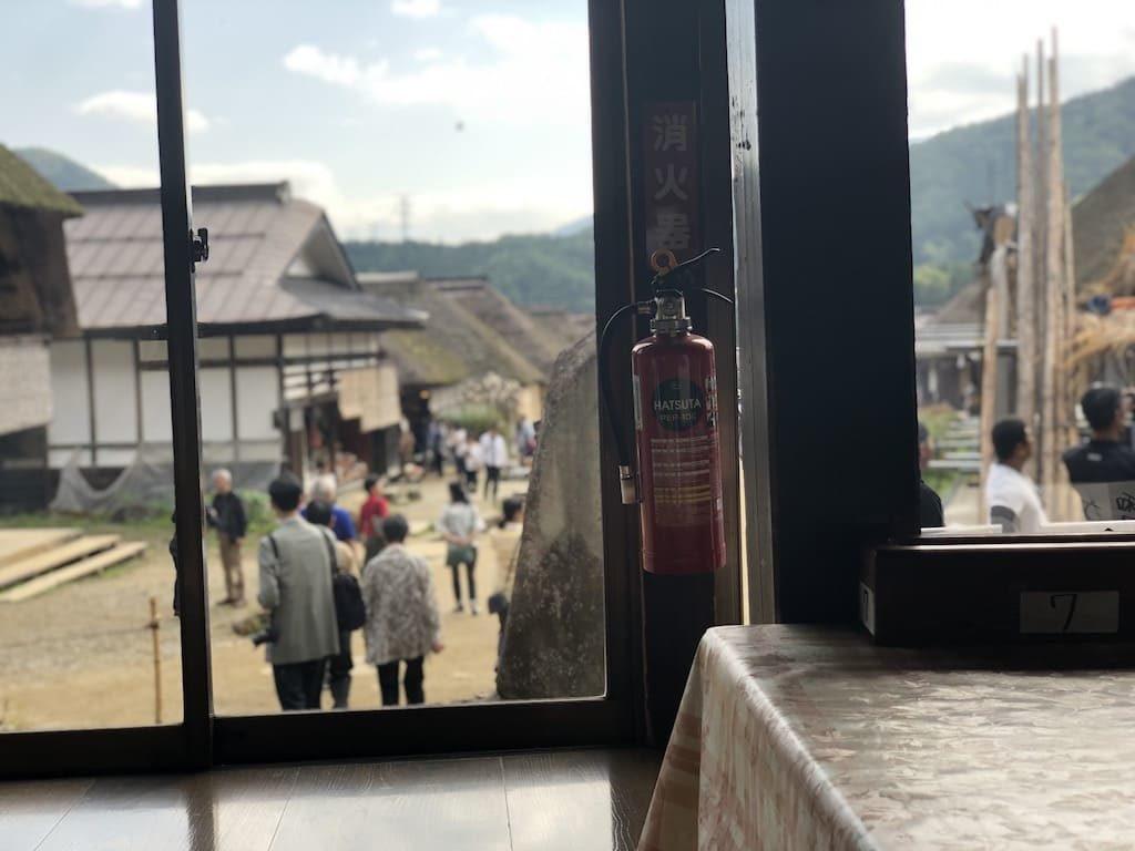浅沼食堂 店内からの景色