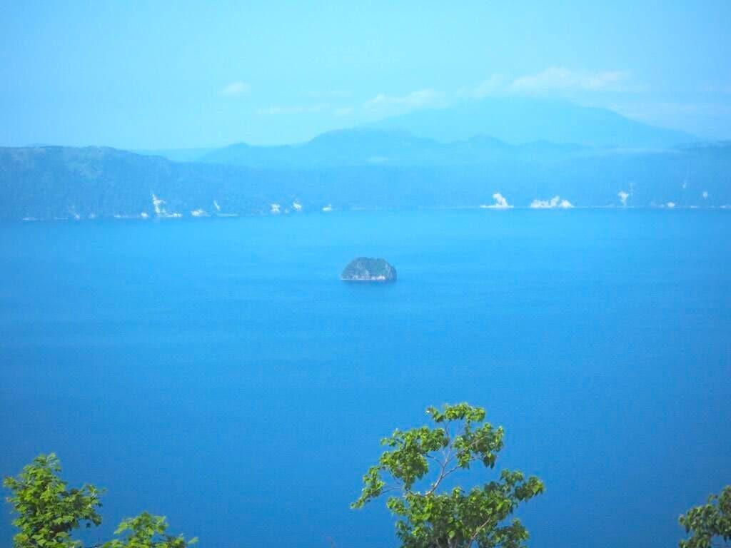 中島(カムイシュ島)