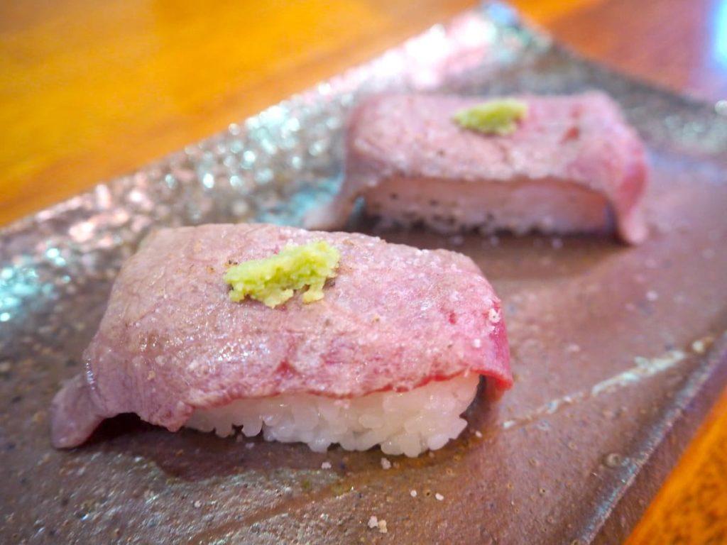 石垣牛炙りの握り寿司